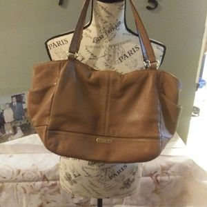 PARK LEATHER CARRIE TOTE (COACH F23284)